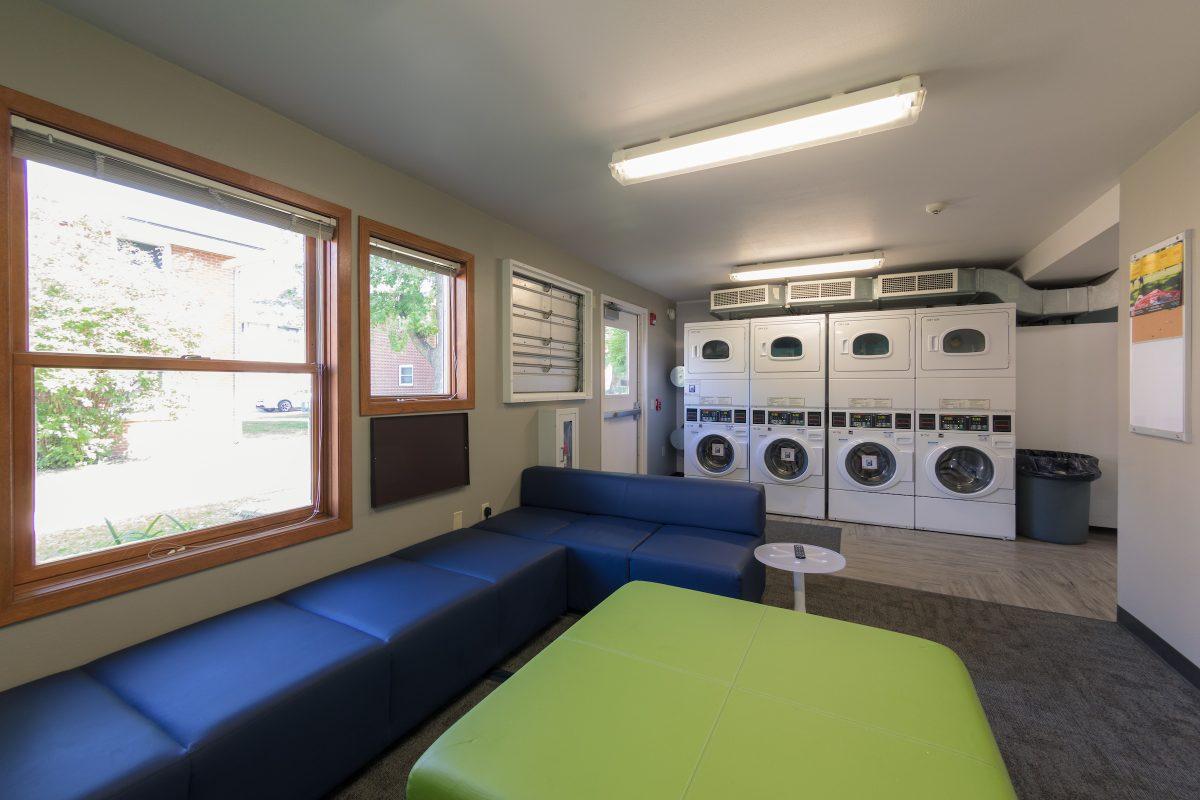 Laundry room in Harvey Street (University Apartments)