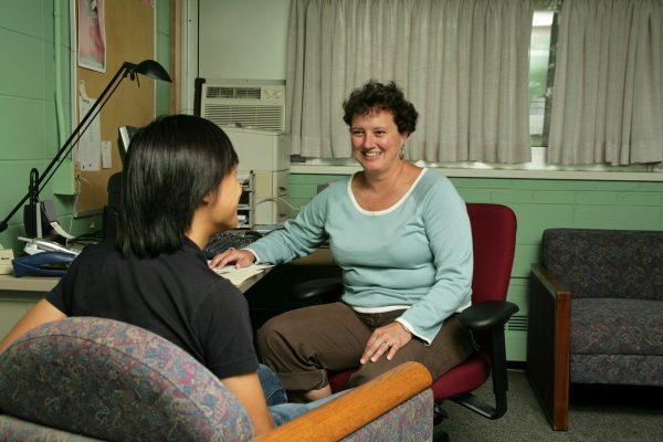 Faculty Fellow Liz McCarthy talks with BLC resident